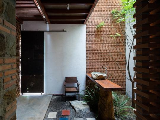 Nhà nhỏ trên cao nguyên Lâm Đồng đẹp như bước ra từ truyện cổ - Ảnh 7.