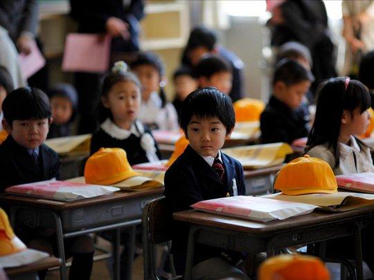 Chùm ảnh đẹp về ngày tựu trường ở 12 quốc gia trên thế giới - Ảnh 7.