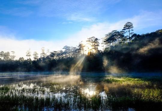 Mục sở thị hồ nước đẹp hàng đầu tại miền Nam Việt Nam - Ảnh 7.