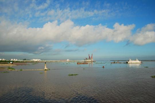 Ngắm dòng sông nổi tiếng bậc nhất trong lịch sử Việt Nam - Ảnh 8.