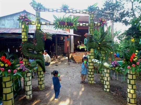 Chùm ảnh: Về miền Tây dự đám cưới có cổng lá dừa - Ảnh 7.