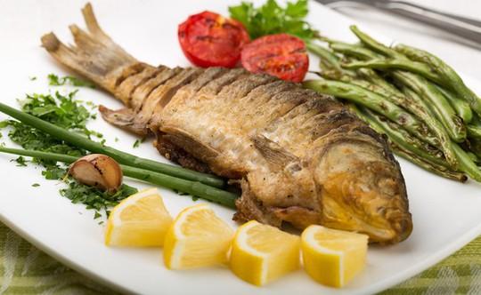 Dù thích ăn cá tới đâu cũng cần tránh 5 thời điểm này - Ảnh 7.