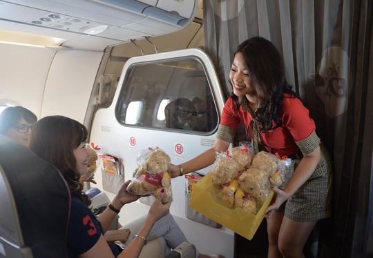 Vietjet khai trương đường bay TP HCM – Phuket - Ảnh 3.
