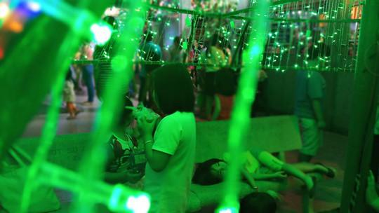Không khí Noel ở những xóm đạo lớn nhất Sài Gòn - Ảnh 7.