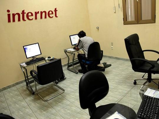 Internet tại Cuba đắt đỏ và chậm chạp nhất nhì thế giới
