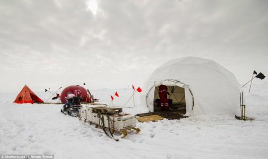 Hang Sơn Đoòng nằm trong các khu cắm trại độc đáo nhất thế giới - Ảnh 8.