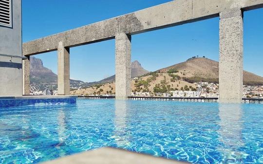 10 khách sạn có bể bơi sân thượng đẹp nhất - Ảnh 8.