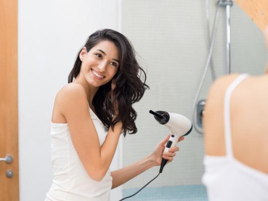 Sử dụng máy sấy tóc thế nào cho hợp lý? - Ảnh 8.