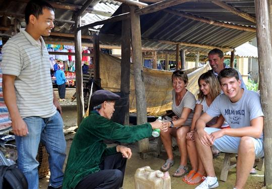 Những món ăn thử rồi ghiền tại chợ phiên Lào Cai - Ảnh 8.