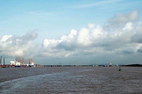 Ngắm dòng sông nổi tiếng bậc nhất trong lịch sử Việt Nam - Ảnh 9.