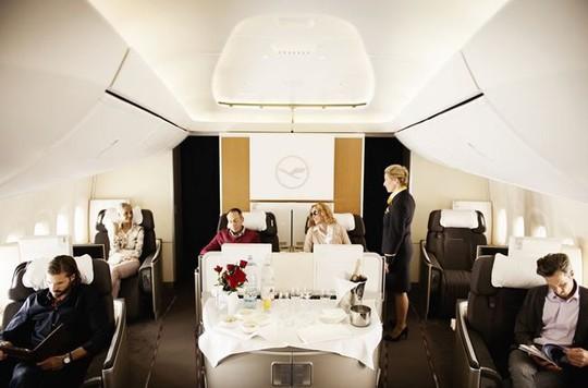 Choáng với ghế hạng thương gia của 10 hãng hàng không - Ảnh 8.