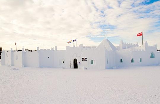 Những lễ hội điêu khắc băng tuyết hấp dẫn nhất thế giới - Ảnh 8.