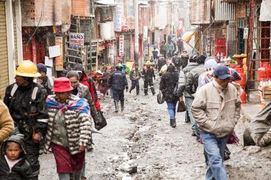 Cuộc sống nghèo không thể tả ở thành phố cao nhất thế giới - Ảnh 3.