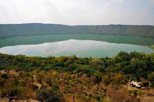 Điêu đứng trước vẻ đẹp 10 hồ núi lửa đẹp ngất ngây - Ảnh 3.