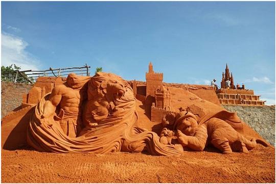 Phan Thiết có Công viên tượng cát đầu tiên trên thế giới - Ảnh 9.