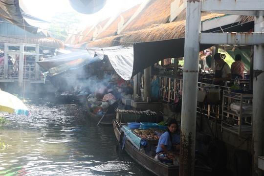 Đi chợ nổi Taling Chan ở Bangkok - Ảnh 9.