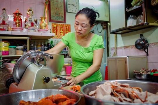 Tiệm mì 70 năm của người Hoa giữa lòng Sài Gòn - Ảnh 9.