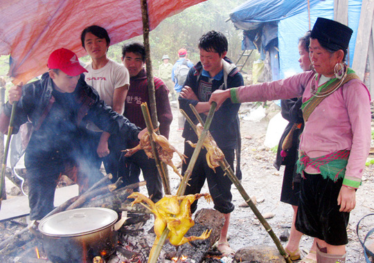 Những món ăn thử rồi ghiền tại chợ phiên Lào Cai - Ảnh 9.