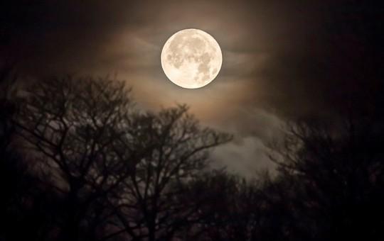 Hình ảnh siêu trăng 2017 trên bầu trời các nước - Ảnh 9.