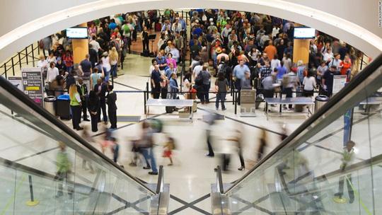 Một sân bay có lượt khách nhiều hơn dân số Việt Nam! - Ảnh 10.