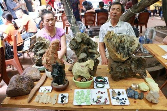 Chợ đá quý độc nhất vô nhị ở Hà Nội - Ảnh 10.