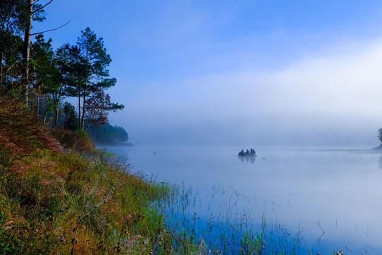 Mục sở thị hồ nước đẹp hàng đầu tại miền Nam Việt Nam - Ảnh 10.