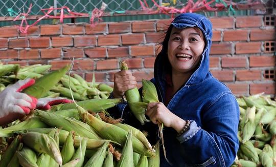 Chợ bắp lớn nhất Sài Gòn - Ảnh 10.