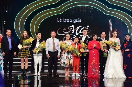 Dư âm Giải Mai Vàng 2016: Trường Giang thành điểm nóng - Ảnh 18.