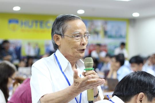 Đại biểu phát biểu tại hội thảo