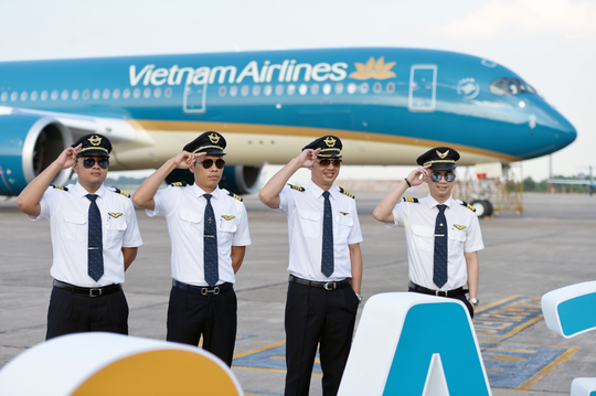 Cận cảnh chiếc siêu máy bay A350-900 thứ 8 của Vietnam Airlines - Ảnh 9.