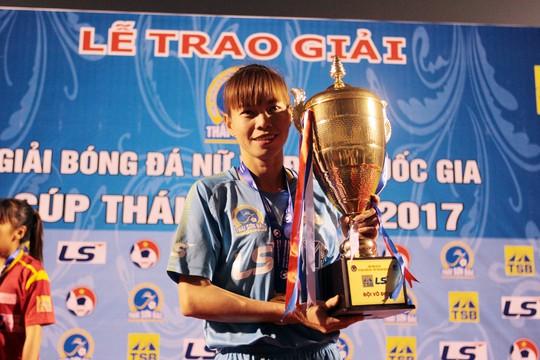 Hơn nửa tỉ đồng tiền thưởng cho bóng đá nữ TP HCM - Ảnh 1.