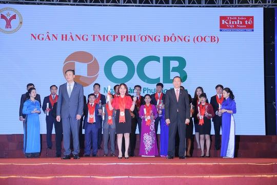 Bà Đào Minh Anh, Phó Tổng Giám đốc OCB, nhận giải thưởng Thương hiệu mạnh Việt Nam