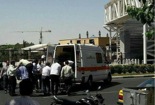 Khủng bố kép tại Tehran: IS lần đầu manh động trên đất Iran? - Ảnh 3.
