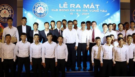 Công Vinh tâng bóng khánh thành đội bóng Bà Rịa Vũng Tàu - Ảnh 1.