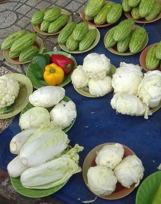 Mối lo thực phẩm bẩn từ các chợ tạm phục vụ công nhân - Ảnh 3.