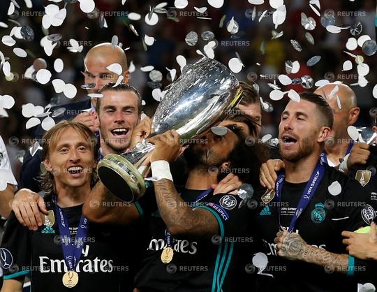 Clip Real Madrid đánh bại M.U, giành Siêu cúp châu Âu - Ảnh 2.