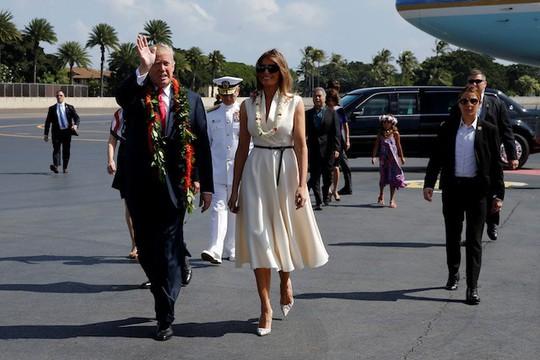 Ông Donald Trump đến Hawaii, hướng tới 13 ngày ở châu Á - Ảnh 5.