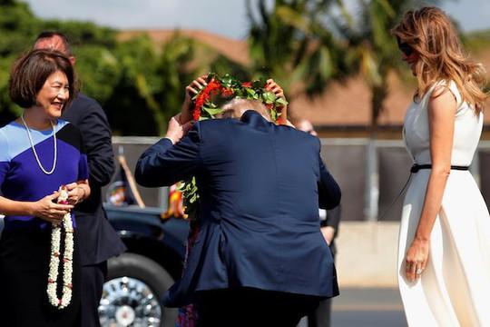 Ông Donald Trump đến Hawaii, hướng tới 13 ngày ở châu Á - Ảnh 3.