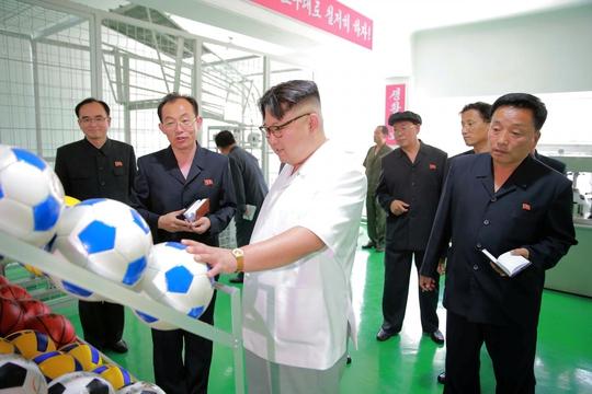 Triều Tiên: Mỹ âm mưu lật đổ ông Kim Jong-un bằng... thể thao - Ảnh 1.