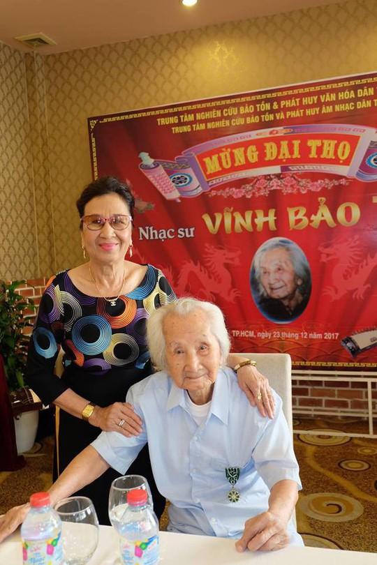 Nghệ sĩ mừng đại thọ giáo sư Vĩnh Bảo 100 tuổi - Ảnh 6.
