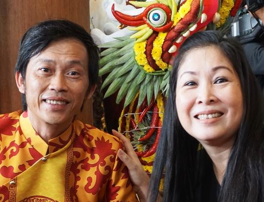 NSƯT Hoài Linh và NSND Hồng Vân