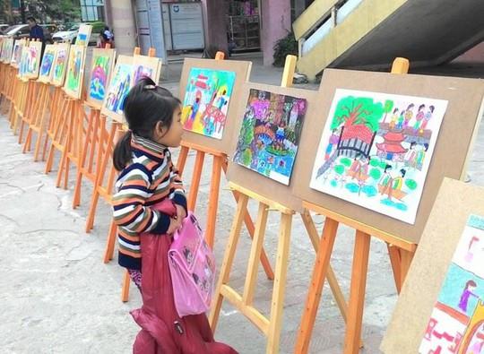 Học sinh tiểu học thi vẽ tranh Sải cánh vươn cao - Ảnh 1.