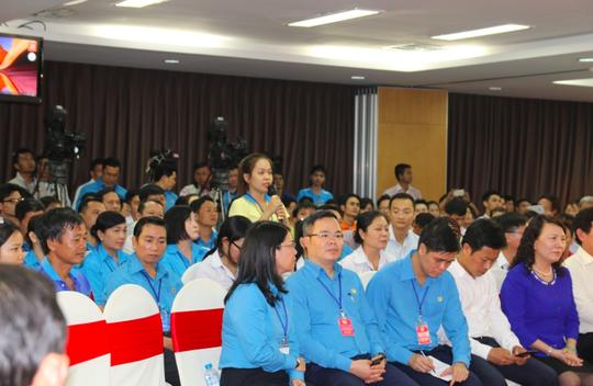 Hình ảnh xúc động của Thủ tướng với công nhân Đồng Nai - Ảnh 10.