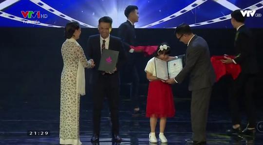 Em chưa 18 đoạt giải Bông sen vàng LHP Việt Nam 2017 - Ảnh 2.