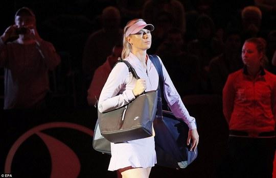 Sharapova vào tứ kết Stuttgart Open, sốc nhỏ ở Barcelona - Ảnh 1.