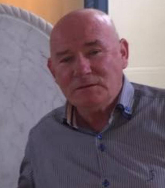 ...và cha, ông Sonny Hart. Ảnh: Irish Independent