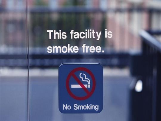 Hành vi sử dụng thuốc lá là nguyên nhân gây tử vong lớn duy nhất trên toàn cầu có thể ngăn ngừa được Ảnh: helenair.com