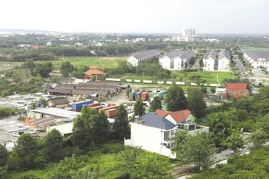 Rủi ro tiềm ẩn với cơn sốt đất ở Đồng Nai - Ảnh 1.