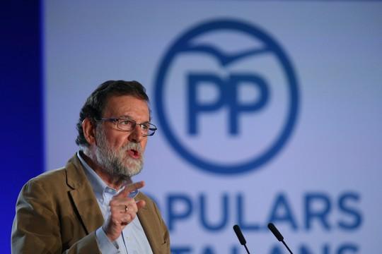 Thủ tướng Tây Ban Nha đến Catalonia sau khủng hoảng - Ảnh 1.