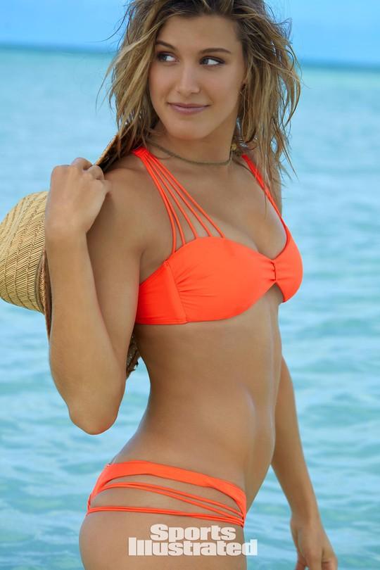Mỹ nhân quần vợt Bouchard diện bikini tím bỏng mắt - Ảnh 4.